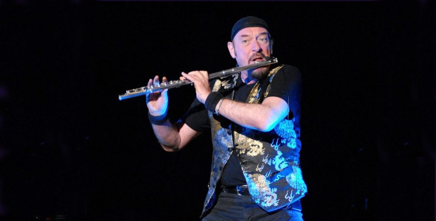 Ian Anderson, front man of Jethro Tull 2 Photo Geoff Ford